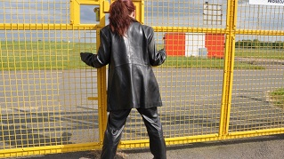 Lucy-girl-in-leather-pants-and-leather-jacket-leather-gloves-photos