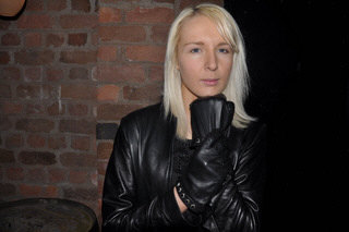 girl-in-leather-gloves-leather-pants-leather-jacket-maritime-