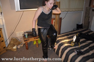 girl-in-leather-pants-knee-in-the-air
