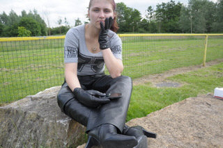 girl-in-leather-pants-leather-boots-leather-jacket-park-