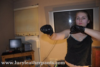 girl-knuckles-leather-gloves-fist
