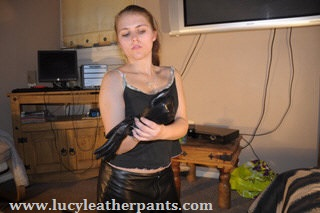 girl-one-leather-gloves
